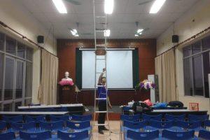 Nhận lắp đặt treo màn chiếu văn phòng trường học